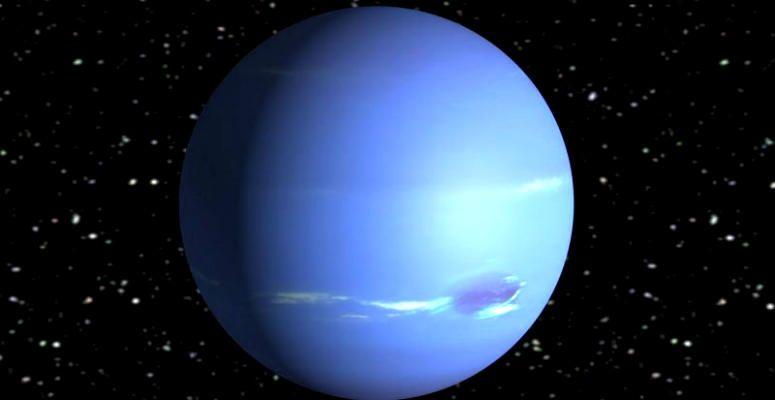 El planeta Neptuno tiene un color azul y tarda 164 años en dar una vuelta al Sol