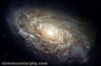 Galaxia ngc 4414 con multitud de brazos en espiral